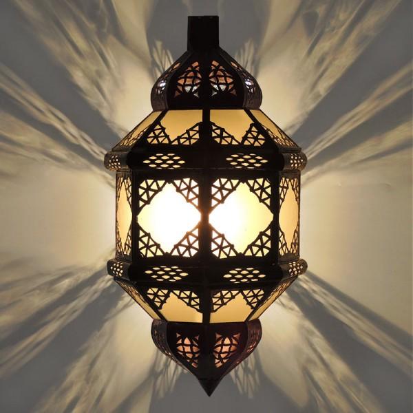 Orientalische Wandlampe Titia Milchglas